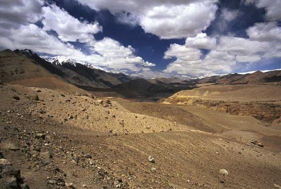 (cc)  Y.Shishido, Steinwüste in Ladakh, Nord-Indien, wikipedia